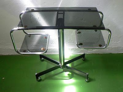 mesa-retro-cromado-cristal-ahumado-años-70