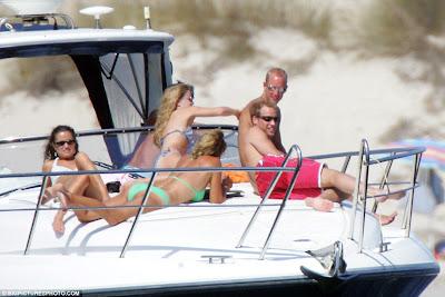 Pippa Middleton bikini ibiza