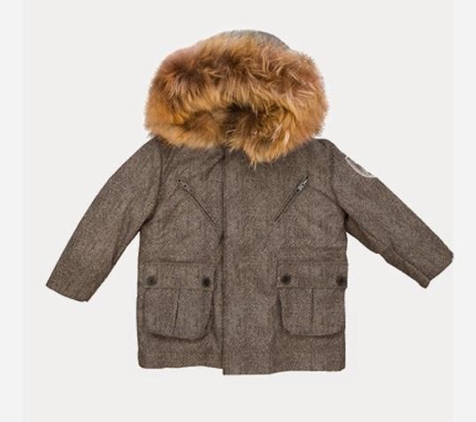 かわいいフードファー付きの子供用ダウンジャケット