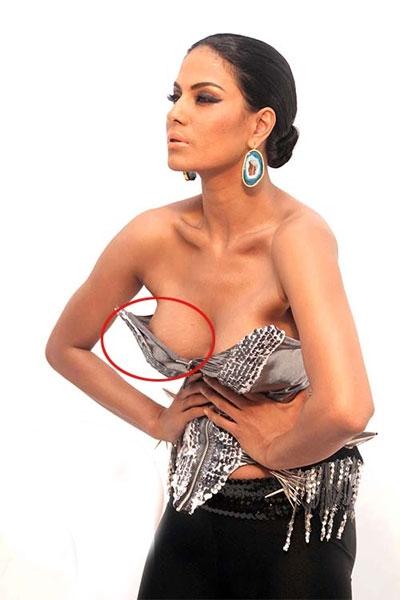 Veena Malik Wardrobe Malfunction, Veena Malik hot show, Veena Malik embarrassing moment