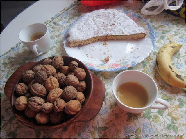 Desayuno energético con tarta de Santiago auténtica