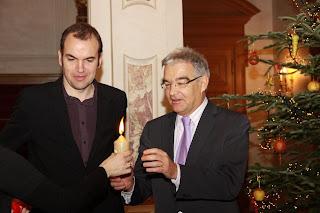 http://amnesty-luxembourg-photos.blogspot.com/2010/12/reunion-la-chambre-des-deputes.html
