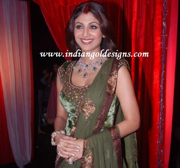 gold and jewellery designs shilpa shetty in