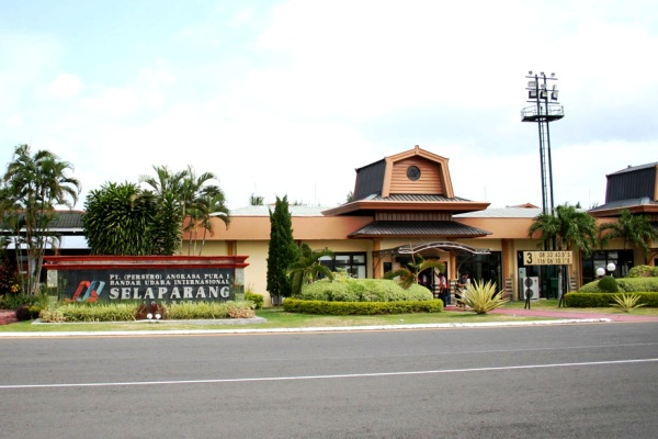Bandara Selaparang Lombok NTB. ZonaAero
