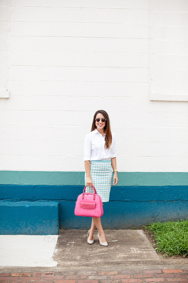 Here&Now: pencil skirt + button down outfit