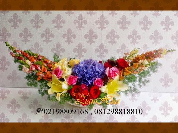 Buket bunga meja toko bunga kelapa gading