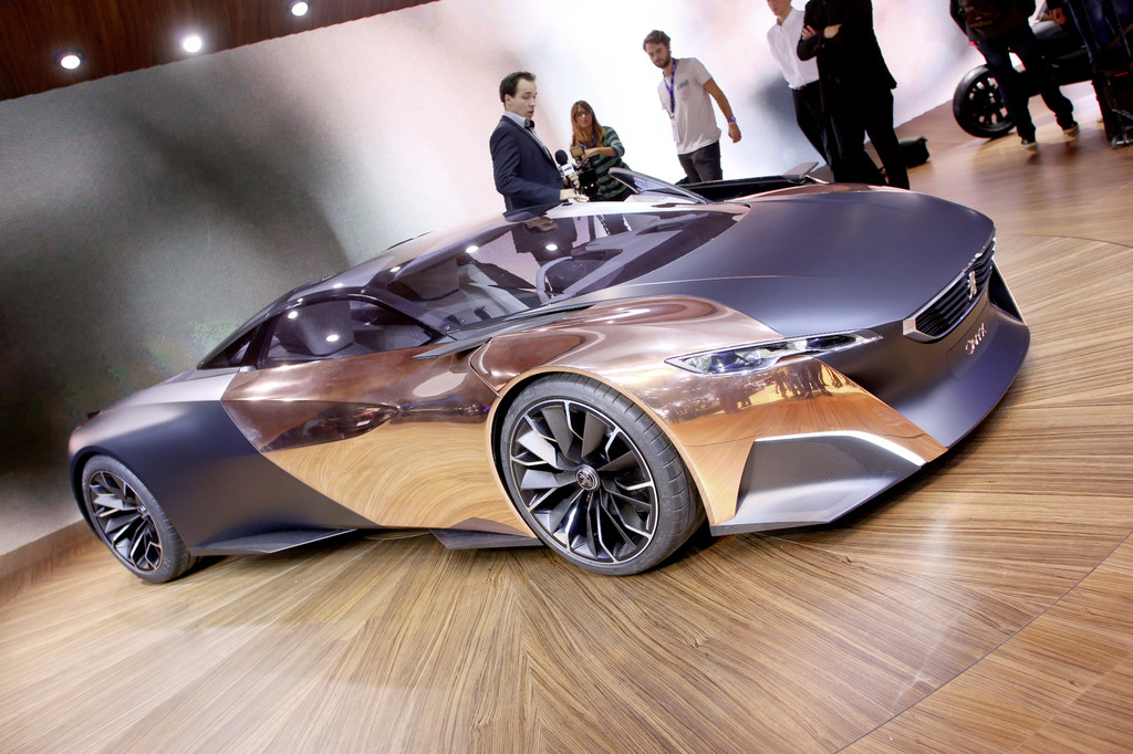 The Concept Of A Super Sports Car Presented On The Peugeot Open To The  Public From Tomorrow Paris Motor Show 2012. The 4.65 Meter Long Onyx With  20 Inch ...
