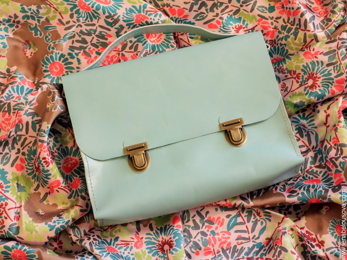 Женский кожаный портфель из голубой кожи