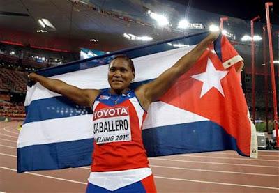 Denia Caballero, primer Oro en Cuba en Mundial de Atletismo 2015