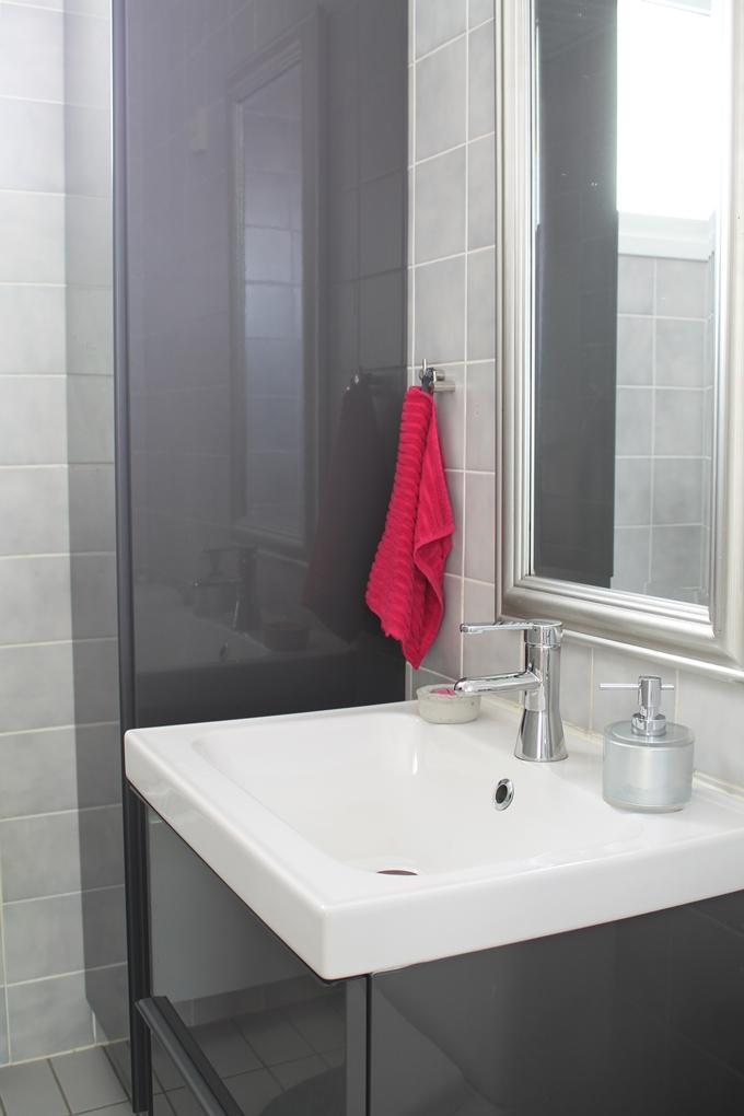 toilet vessa ikea kylpyhuonekalusteet korkeakiiltoinen harmaa