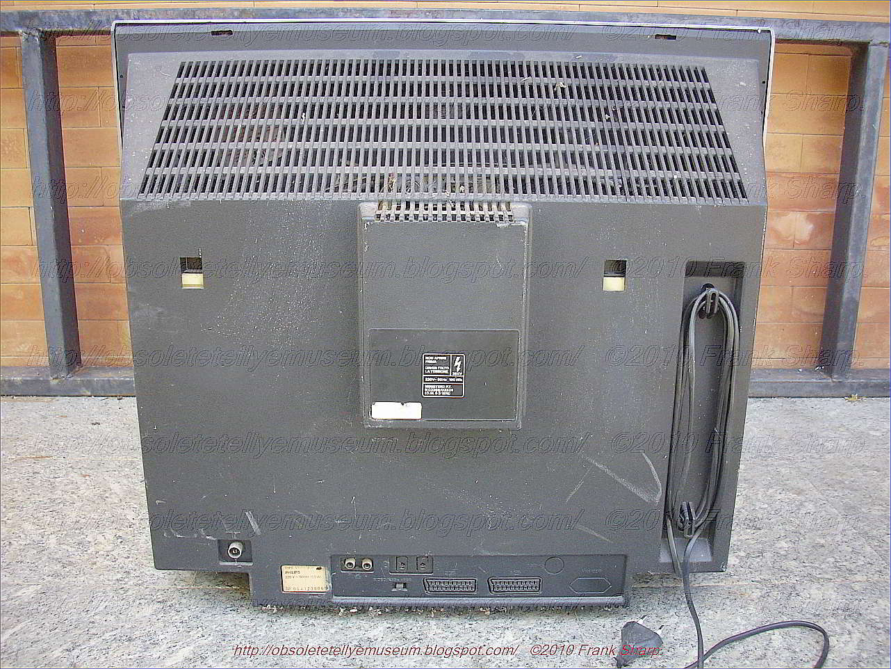 Obsolete Technology Tellye Philips Stereo Receiver V6820 Besides 50 Gfci Breaker Wiring Diagram Furthermore Hot Tub 220 The Matchline Is A 26 Inches 66cm Color Monitor Television With Top Features
