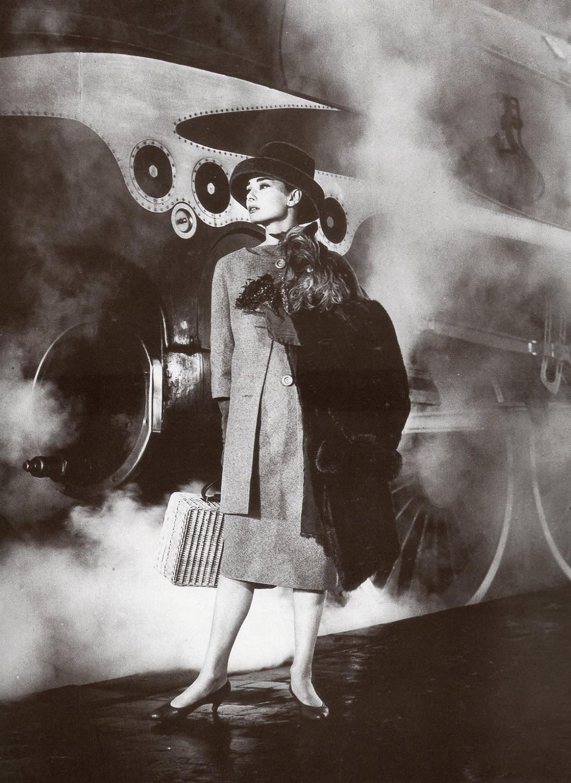 designer for givenchy y8su  Audrey Hepburn dans
