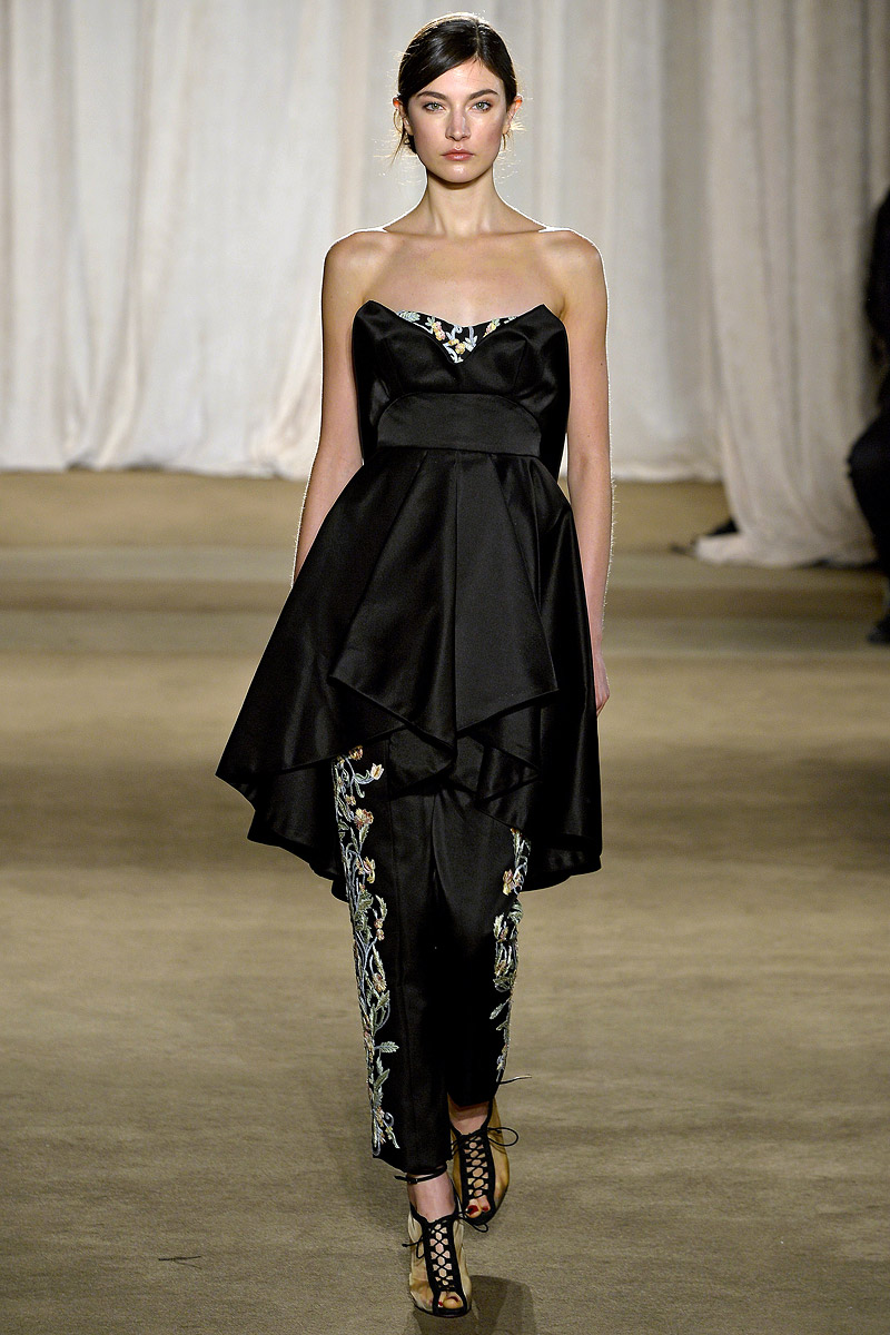 To acquire Fall marchesa runway pictures trends