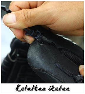Ikatan dan tali glove sofbol perlu sentiasa diketatkan