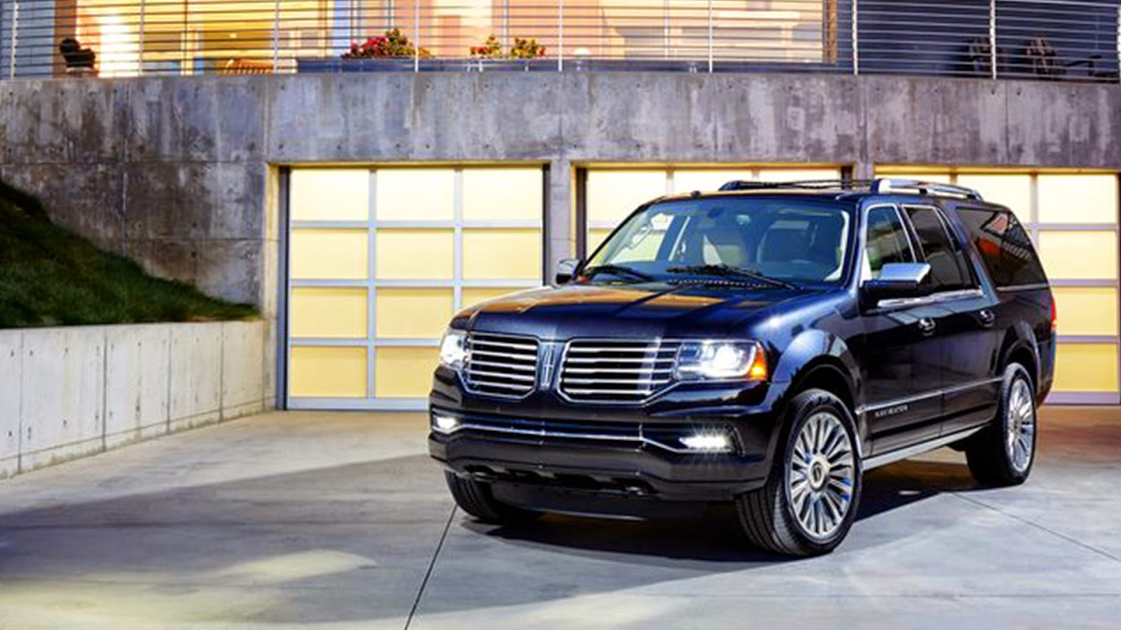 2015 Lincoln Navigator Is One Of The Safest Vehicles On The Road