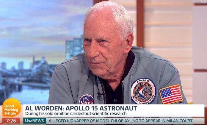 Al Worden αστροναύτης του Apollo 15: Είμαστε εξωγήινοι που προέρχονται από ένα άλλο πλανήτη! (Βίντεο)