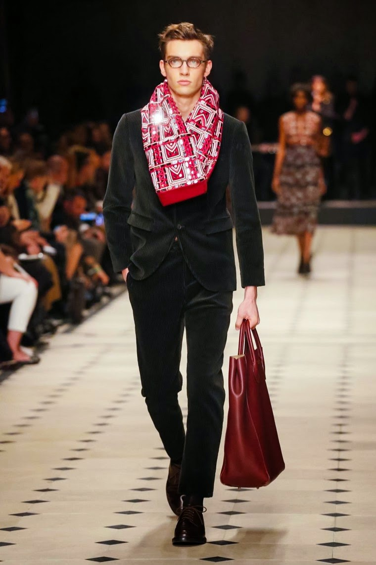 Burberry Prorsum FW15, Burberry Prorsum AW15, Burberry Prorsum fall, Burberry Prorsum Fall 2015, Burberry Prorsum fall winter, Burberry Prorsum Fall Winter 2015, du dessin aux podiums, dudessinauxpodiums, burberry blue label, burberrys, burberry black label, burberry uk, burberry trench coat, burberry bags, burberry coat, buberry, burburry, burberry bag, burberry trench, burbury, prorsum, christopher bailey