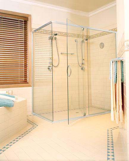 The ba os y muebles dise o de ba o con ducha grande for Diseno de cuartos de bano con ducha