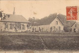 Château du Gué-la-Guette - Maison du Garde et du Jardinier - Cour-Cheverny