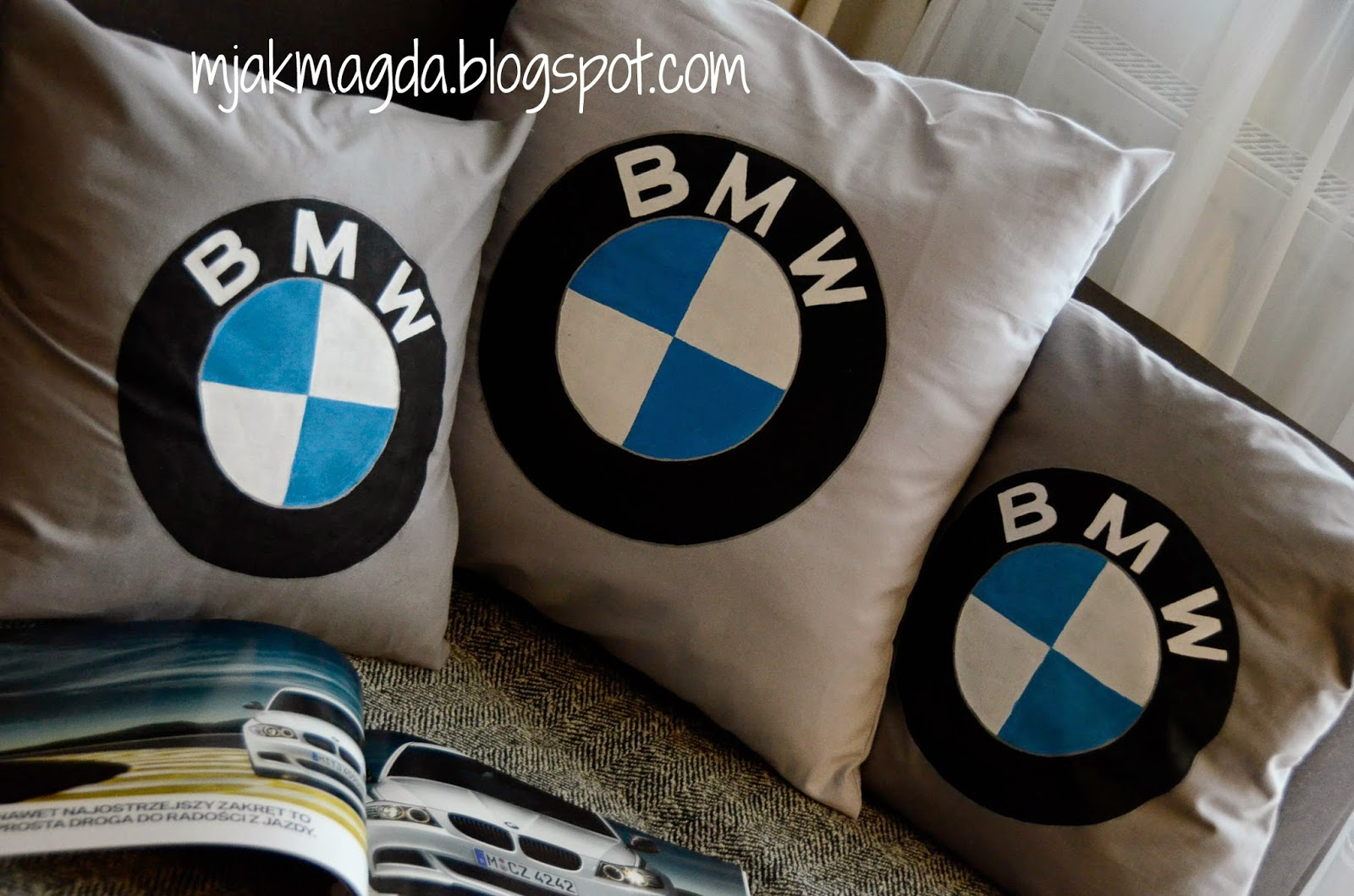 poduszka, poduszki, poszewka, poszewki, malowane, ręcznie malowane, logo, BMW, marka, samochód, męska, męski, dla mężczyzny, szara, farba, kolorowa, bawełna, prezent, święta, Boże narodzenie, prezenty, oryginalny, wyjątkowy, wypustka, wzory, koronka, sznurek, beżowa, beż, koła, kółka, dla domu, elegancka, eleganckie, cushion, pillow, pillowcase, pillow cases, painted, hand-painted, logo, BMW, brand, car, men, male, for a man, gray, color, colorful, cotton, gift, holidays, Christmas, gifts, original, unique, tab , patterns, lace, cord, beige, beige, circles, circles, home, elegant, chic,hand made