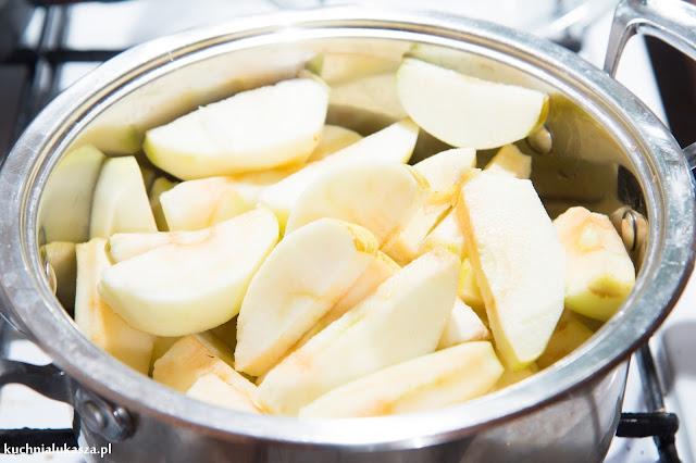 Sernik jabłkowy bez pieczenia