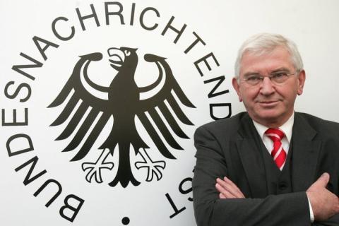 Image result for gerhard schroeder and ernst uhrlau