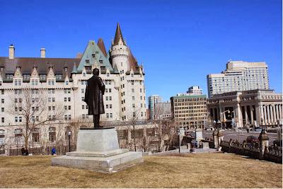 Prachtvoll: das Chateau Laurier in Ottawa © Copyright Monika Fuchs, TravelWorldOnline