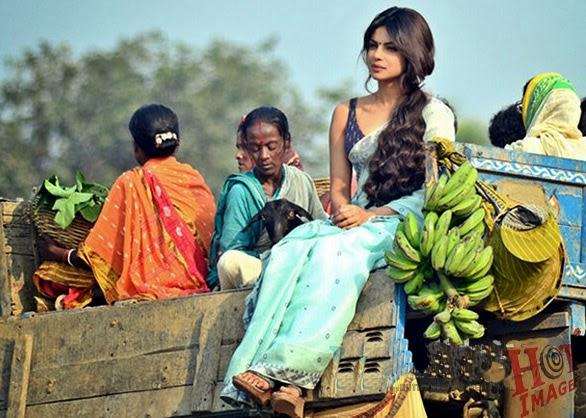 Priyanka Chopra Hot Saree phoost