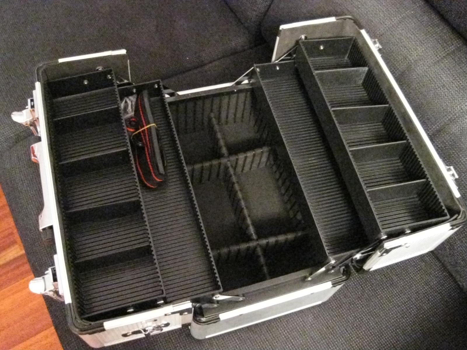 Diy mi malet n de maquillaje customizado mi armario de - Maletin de aluminio para herramientas ...