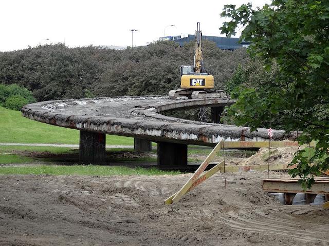 Burzenie estakad mostu Łazienkowskiego