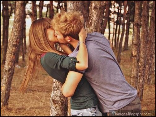 девушка целуется с девушкой фото