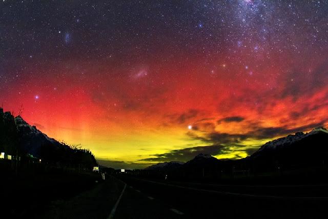 Pesona Aurora Australis di Selandia Baru