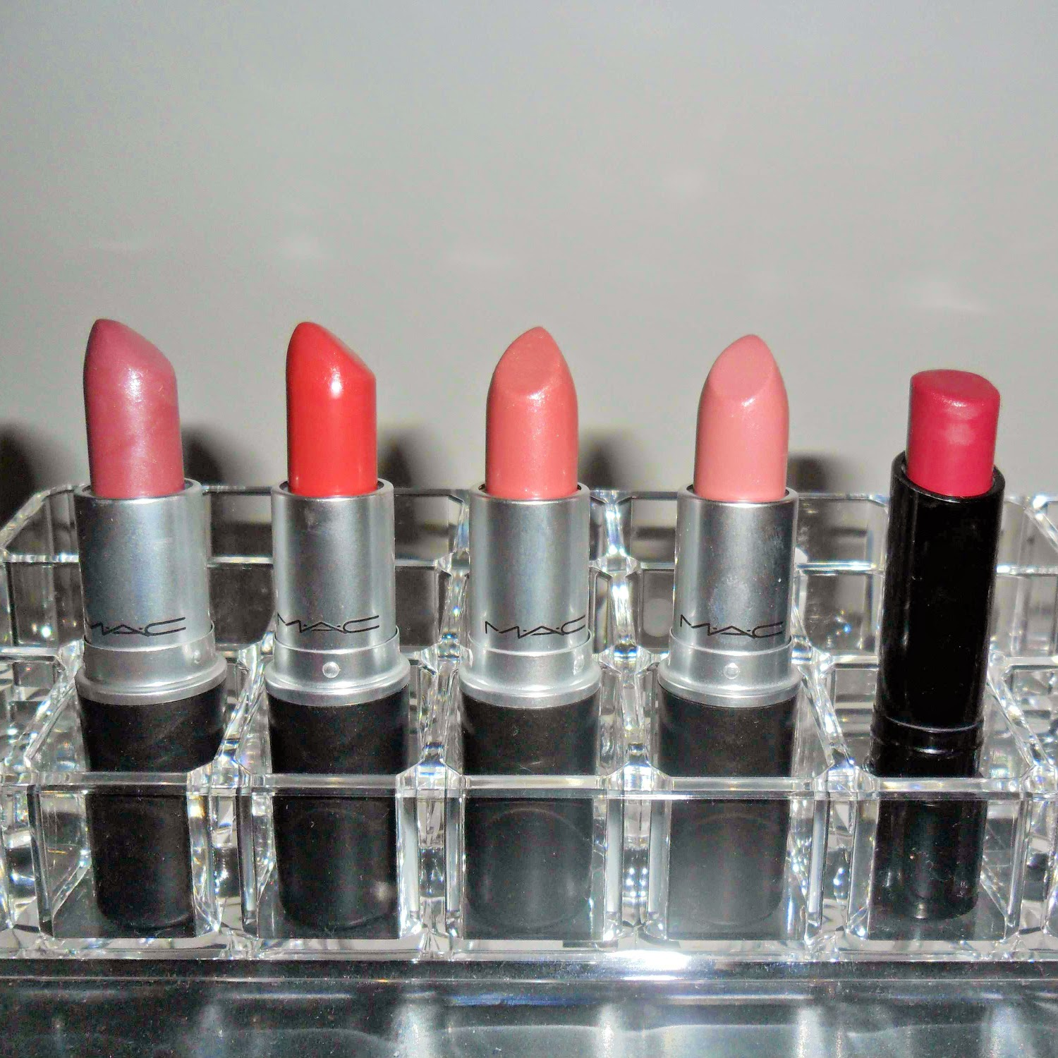 Best MAC lipsticks pale skin November 2014