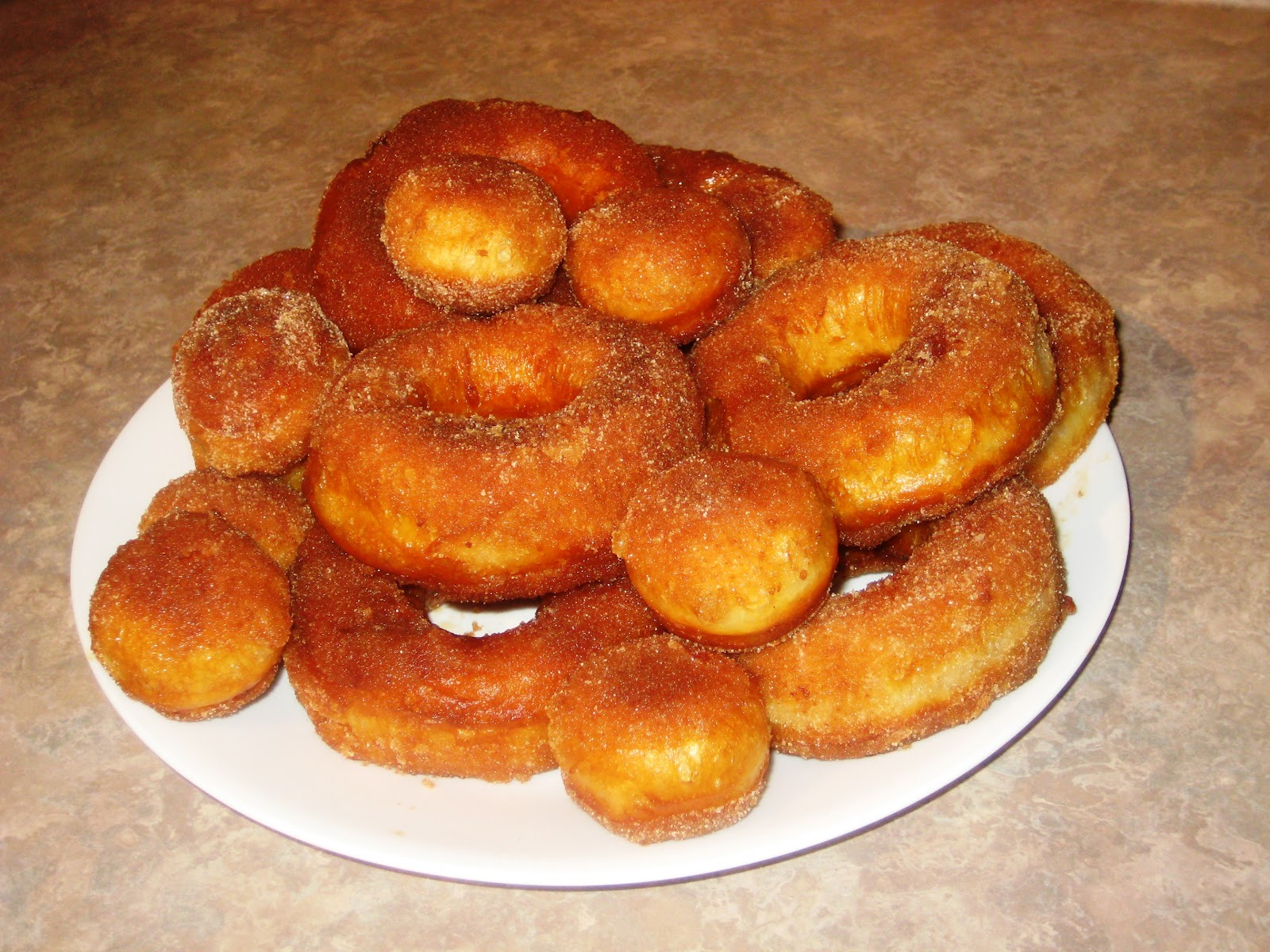 Пошаговое приготовление домашних пончиков