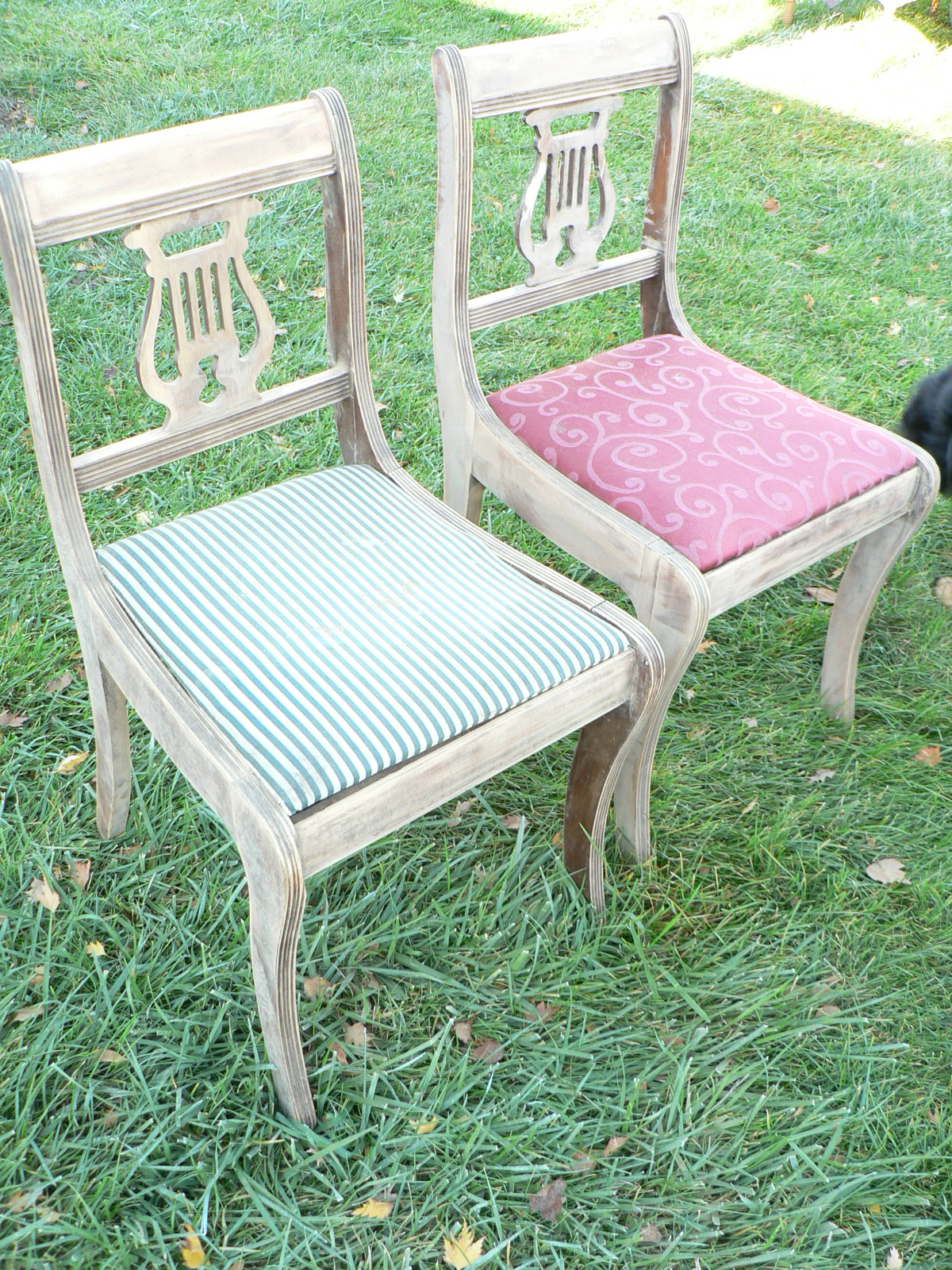 Duncan Phyfe Table And Lyre Back Chairs