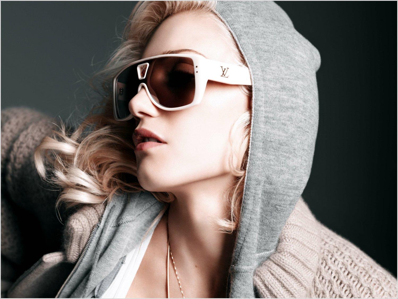 http://3.bp.blogspot.com/-fwOegbD7cwo/UA9fZBUdB8I/AAAAAAAAAag/vIvJNHXhLFA/s1600/Gwen+Stefani.jpg