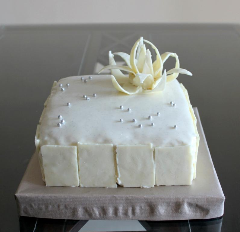 Say Cheese: V8 Cake
