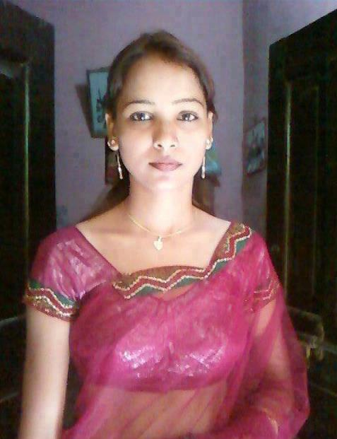 Beautiful desi sexy house wife anjali from kolkata for Indian hot house