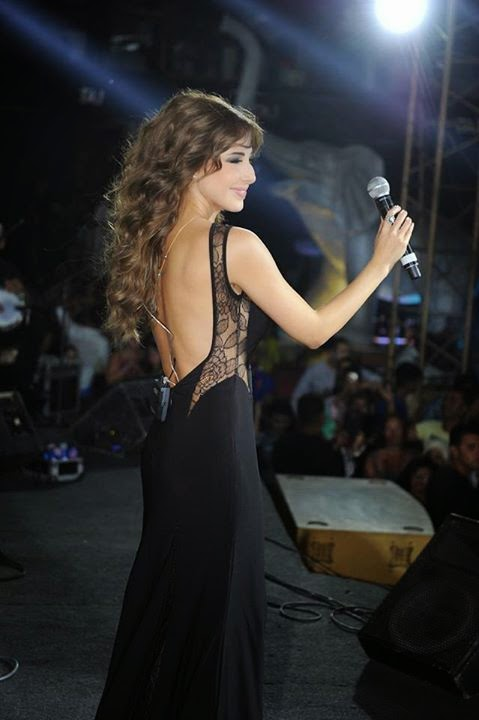 http://pictures4girls.blogspot.com/2014/09/lebanese-singer-nancy-ajram.html