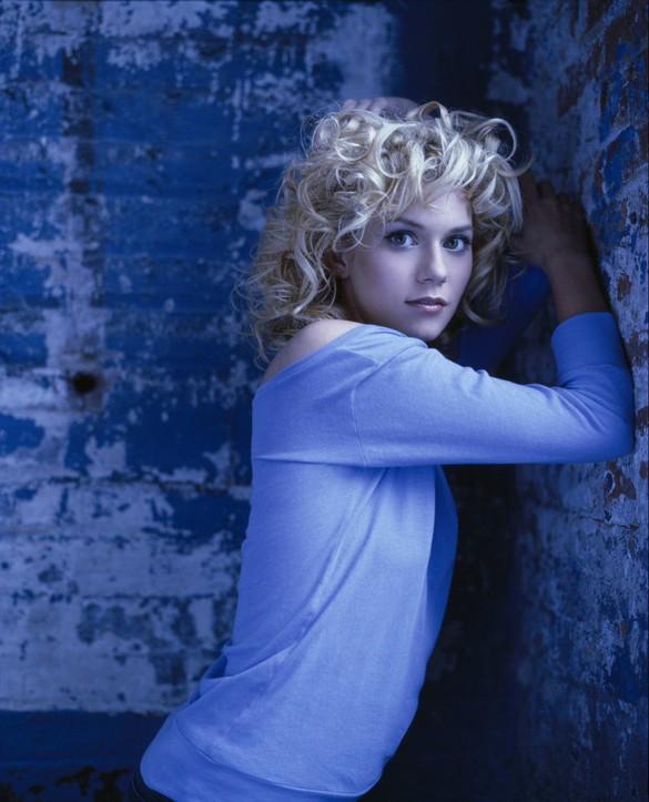 Hollywood Top Actress Pictures & Wallpapers: Hollywood Hot Actress Hilarie Burton