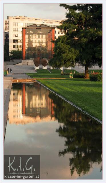 Glas und Wasser im Parc Andre Citroen, Paris