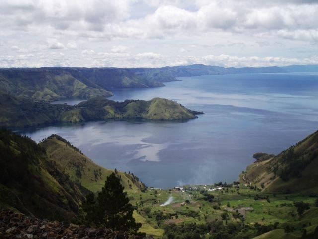 Pelesir ke Objek Wisata Danau Toba