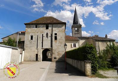 VOID-VACON (55) - Le château -Tour de l'Audience et église