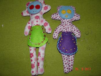 Bonecas «Nanenas» em algodão e feltro com enchimento em fibra acrílica
