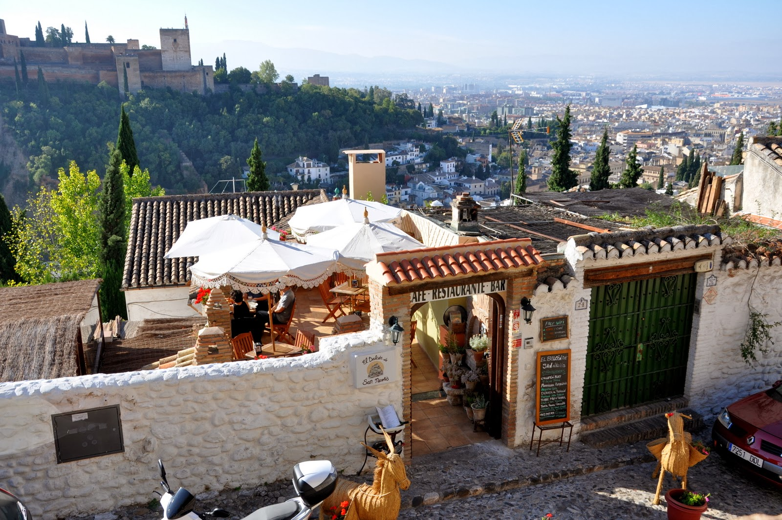 Itchy Feet Adventures: The streets of Granada