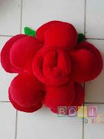 Bantal Mawar Merah