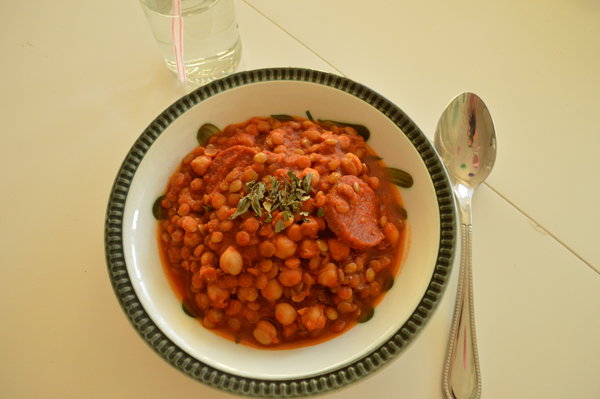 Chickpea-Lentil-Hotpot with Salami and smoked paprika