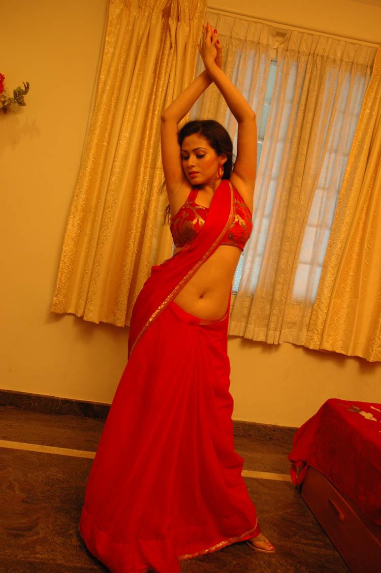 Sadha Hot photos in Tamil movie Mythili telugu movie ...