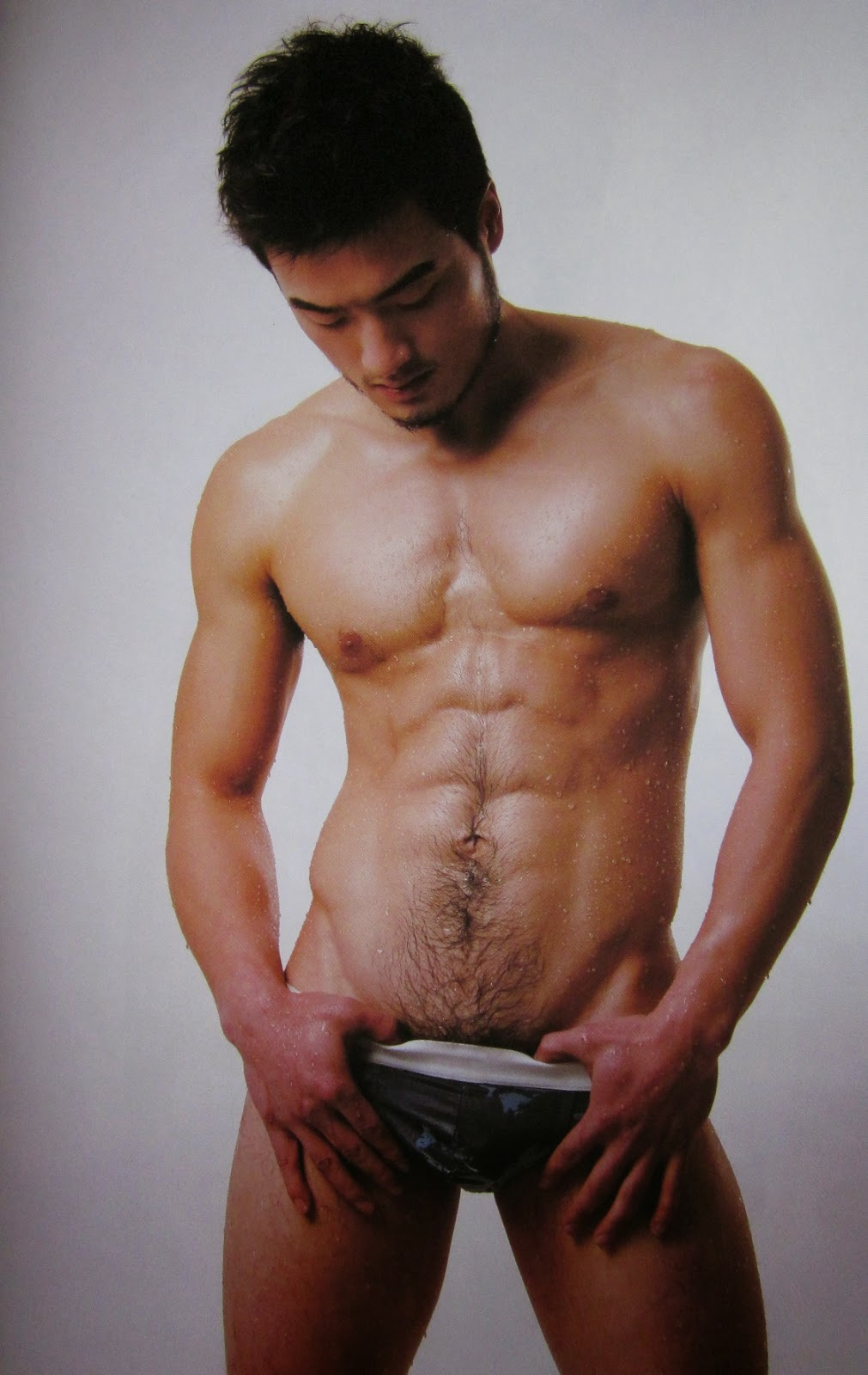 http://gayasiancollection.com/chinese-hunk-james-wan/