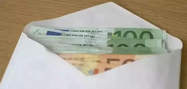 Βρήκε έναν φάκελο με 10.600 ευρώ και προσπάθησε να βρει ποιος τον έχασε. Την επόμενη μέρα δέχθηκε ένα καθοριστικό τηλεφώνημα.